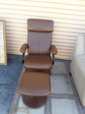 Leather chair for Sale in Delray Beach, FL