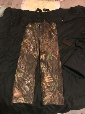 Camo pants for Sale in Del Valle, TX
