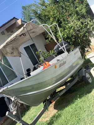 Alaskan smokercraft aluminum center console 16ft boat for Sale in Los Alamitos, CA