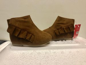 Brand new with tags baby toddler girl's slip on boots size 4 4C for Sale in Plymouth, MA