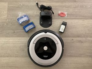 iRobot Roomba 690 Robot Vacuum-Wi-Fi Connectivity, Works with Alexa, Good for Pet Hair, Carpets, Hard Floors, Self-Charging for Sale in Corona, CA