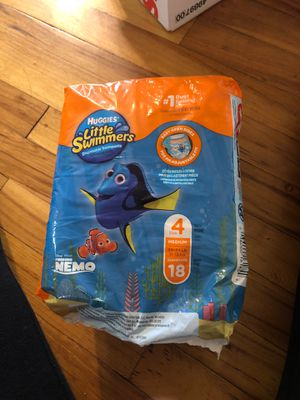 Huggies little swimmers size 4 for Sale in Salem, OR
