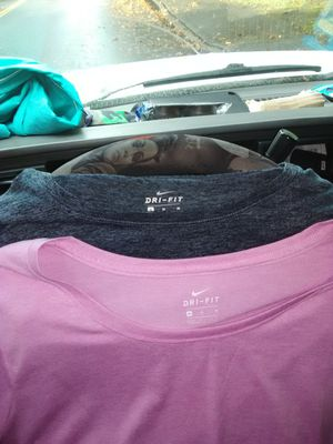 2 wmns Nike shirts size med. for Sale in Renton, WA