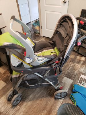 Baby trend car seat and stroller for Sale in Elizabethton, TN