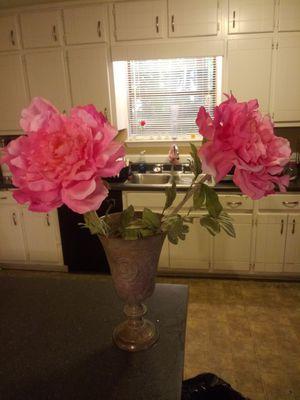 Pink flowers in Vase for Sale in Jonesboro, GA