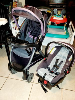 Graco Travel System Set Infant Baby Carseat Car Seat With Base and Stroller (Gray/violet) for Sale in Pasadena, TX