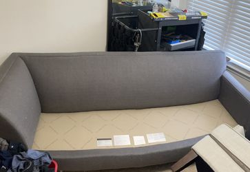 Ethan Allen Couch for Sale in Atlanta,  GA
