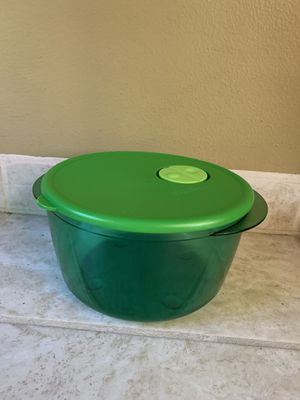 TUPPERWARE Container for Sale in Mill Creek, WA