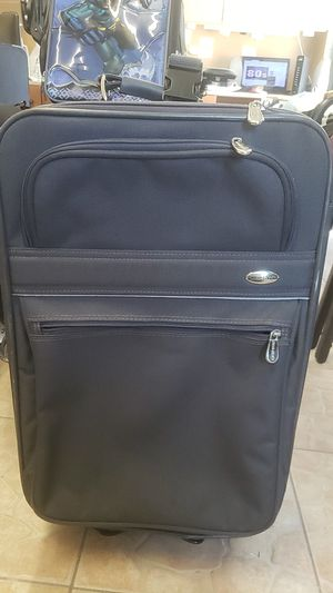 Suitcase for Sale in Kissimmee, FL