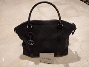 Gucci shoulder bag for Sale in Fort Lauderdale, FL