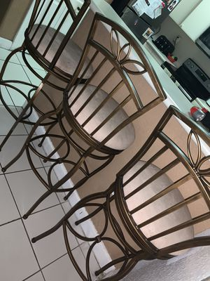 3 stool chairs for Sale in Hialeah, FL