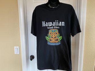 Hawaiian Island Vibes Men's Medium T-shirt for Sale in San Diego,  CA
