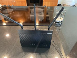 ASUS RT-ac68u 3x3 wireless-ac 1900 gigabit router for Sale in South Gate, CA