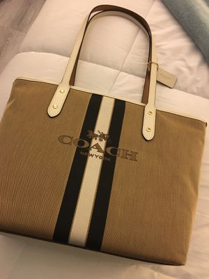 Coach tote bag for Sale in Los Angeles, CA