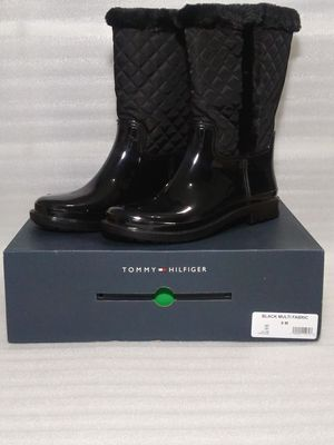 Tommy Hilfiger rain boots. Size 9 women's shoes. Black. Fur lining. Brand new in box for Sale in Portsmouth, VA