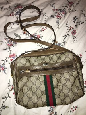 Gucci shoulderbag (authentic) for Sale in Portland, OR