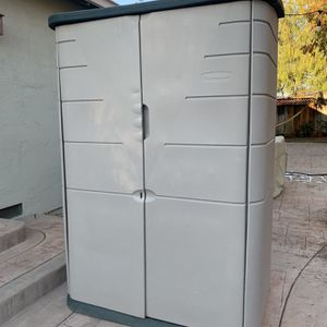 Large Outdoor Rubbermaid Storage Cabinet for Sale in San Jose, CA