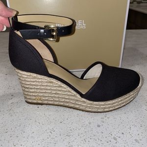 Women's Size 8 1/2 Michael Kors Shoes for Sale in Boca Raton, FL
