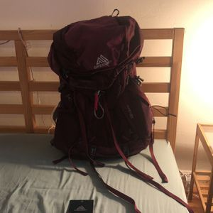 Gregory DEVA 60L Women's Hiking Backpack for Sale in San Diego, CA