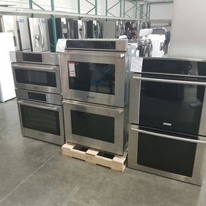 New Eletrolux Double Wall Oven Stainless FACTORY WARRANTY for Sale in Chino Hills, CA