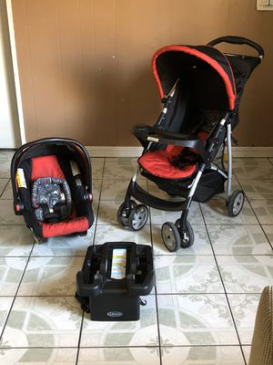 LIKE NEW GRACO CLICK CONNECT TRAVEL SYSTEM STROLLER CAR SEAT AND BASE for Sale in Riverside, CA