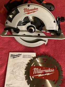 """Milwaukee . M18 Lithium Ion 7-1/4"""" Brushless Cordless Circular Saw (Tool Only ). 2631-20. for Sale in Brooklyn,  NY"""