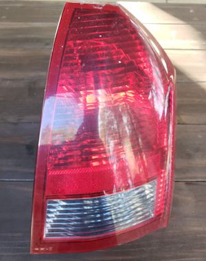 06 Chrysler 300 Passenger Taillight for Sale in Jersey Shore, PA