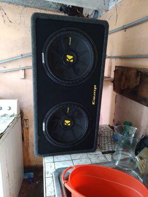 Kicker speaker with 1500 watt for Sale in Miami, FL