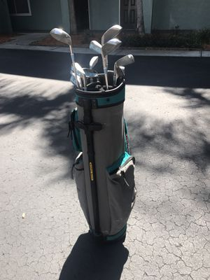 Ladies Golf Clubs w/ bag for Sale in Tampa, FL