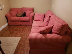 2 red couches for Sale in Hollywood, FL