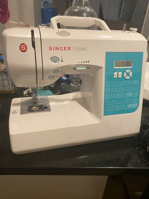 Singer stylist sewing machine for Sale in Takoma Park, MD