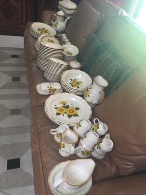 97 piece Mikassa brand everyday dish set all $125 for Sale in Fresno, CA