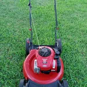 Troy-Bilt Push Lawn Mower Runs And Cuts Great Guaranteed To Turn On On 1st Pull for Sale in San Antonio, TX