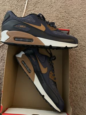 AirMax 90 PreMiuM Size 10.5 for Sale in Los Angeles, CA