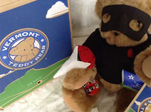 "Love Bandit Vermont Teddy Bear 16"" New in box Valentine gift for Sale in Cape Coral, FL"