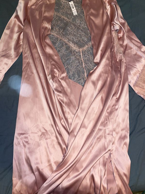 Victoria Secret Chantilly lace kimono