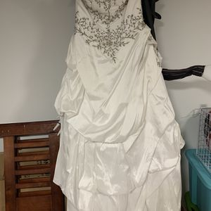 Wedding Dress for Sale in Allen Park, MI