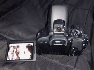 Canon EOS rebel T7i for Sale in San Antonio, TX