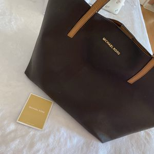 Michael Kors tote bag for Sale in Perris, CA