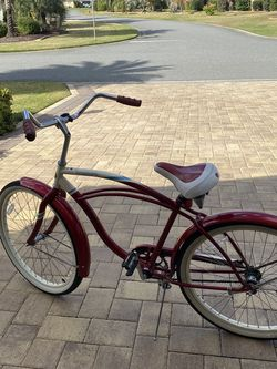 Men's 26 inch Schwinn Cruiser Bike for Sale in Wildwood,  FL