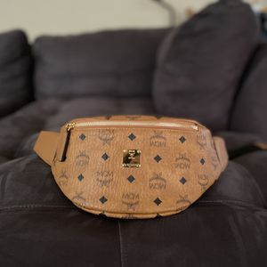MCM Fanny Pack (authentic ) for Sale in Dallas, TX