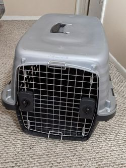 Small Travel Dog Crate for Sale in Rancho Cucamonga,  CA