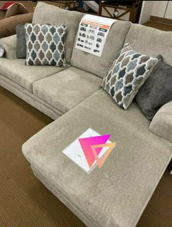 Dorsten Sisal Reversible Sofa Chaise ✔️ Couch ⭐ Living Room Set for Sale in Round Rock,  TX