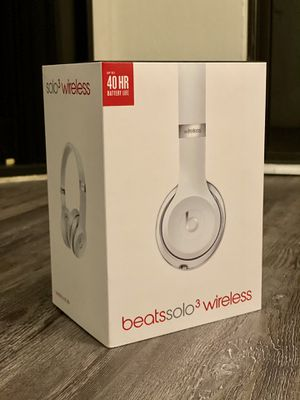 Beats Solo 3 (Brand New Bud Light Platinum Edition) for Sale in Del Monte Forest, CA