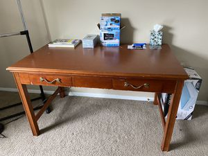 Solid wood desk for Sale in Dublin, OH