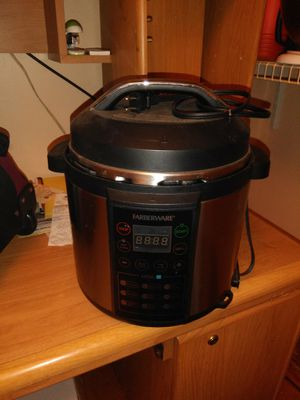 Farberware pressure cooker/ rice cooker and had less than a year used only 3 times for Sale in Detroit, MI