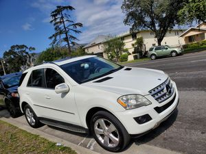 2010 mercedez benz ML 350 RUNNING PERFECT CLEAN TITLE for Sale in Baldwin Park, CA
