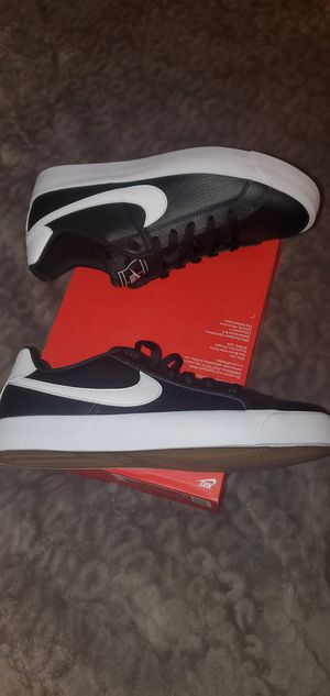 NIKE COURT ROYALE MEN SHOES NEW for Sale in Orange, CA