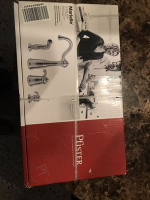 Pfister LF-026-4NSS Marielle Kitchen Faucet for Sale in Miami, FL