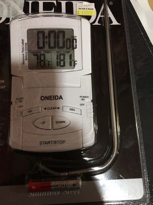 Digital thermometer bran new ( A+ 4 thanksgiving turkey) for Sale in Coral Gables, FL